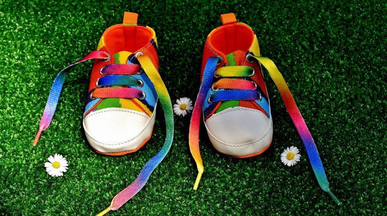 pierwsze buty dla dziecka - przyszla mama