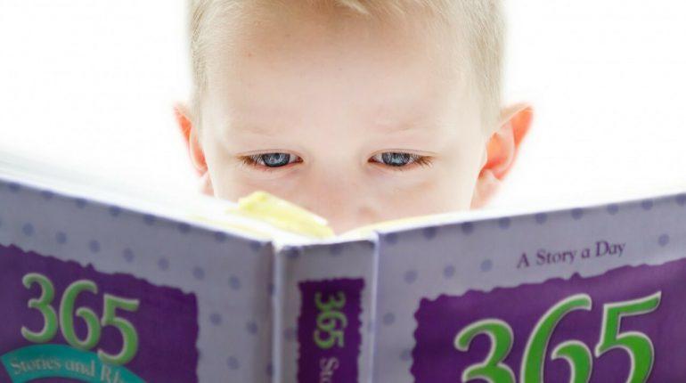 Skok rozwojowy u niemowląt - dziecko