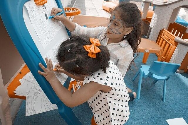kreatywna zabawa z dziećmi