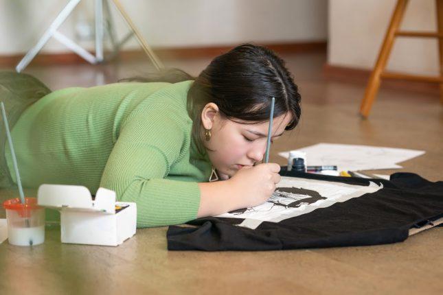 Jak samodzielnie spersonalizować swoją odzież? Poradnik